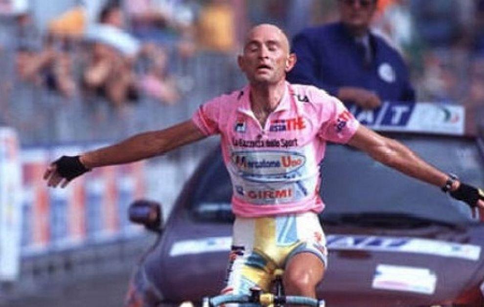 Marco Pantani, l'uomo che andava forte in salita per alleviare la sua agonia.