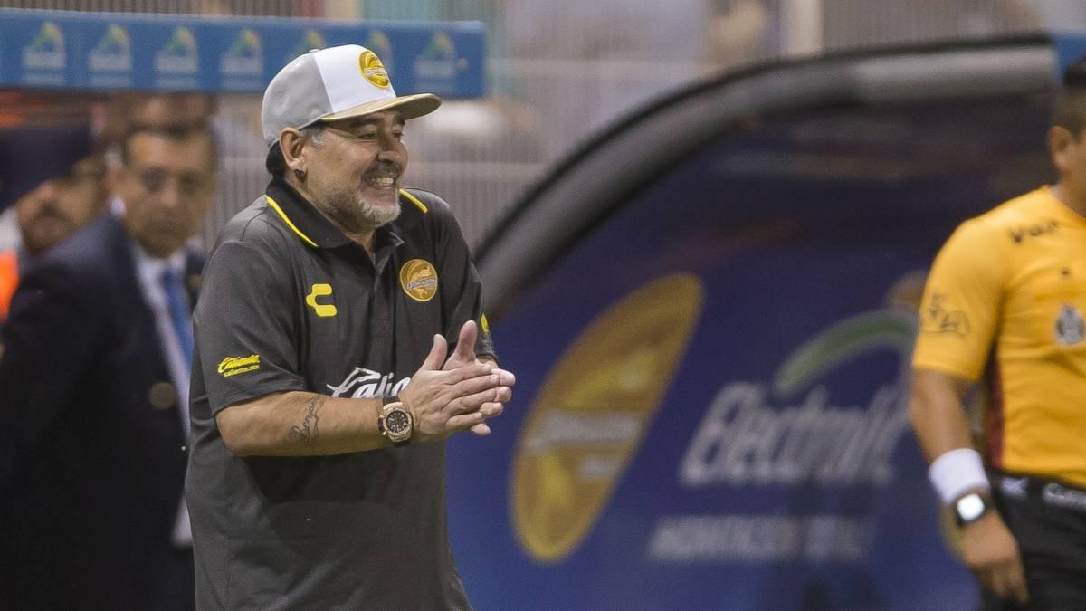 """Maradona ha tre figli a Cuba. """"Ancora 3 per fare una ..."""