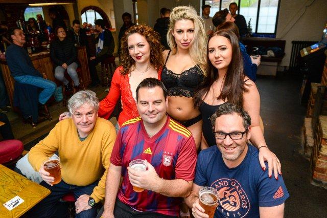 club consiglia locale lap-dance