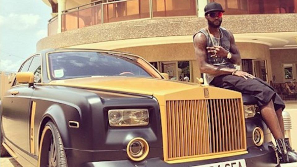 auto di lusso Adebayor