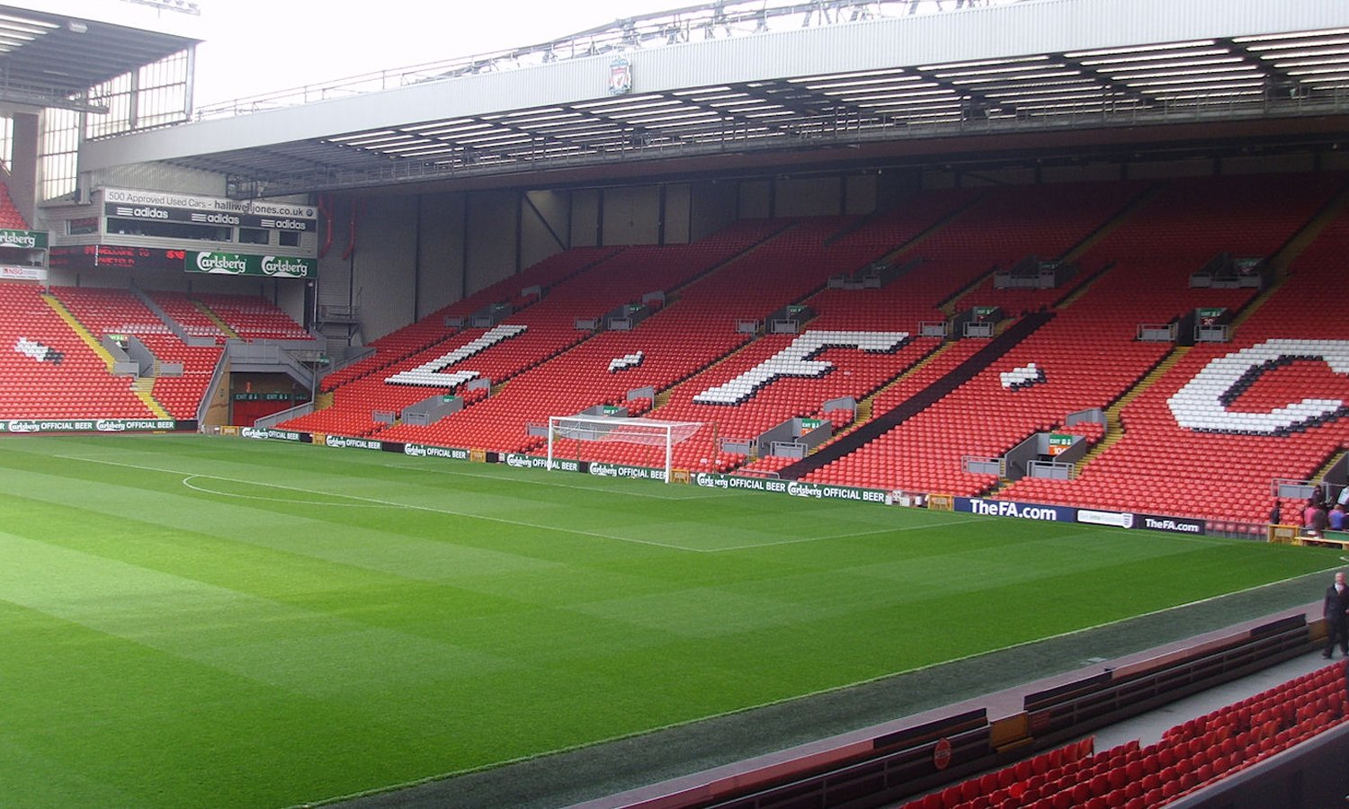 reds ad Anfield